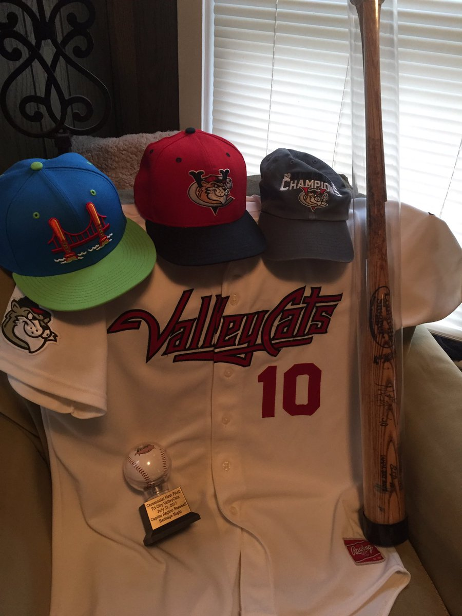 @ValleyCats I am getting ready for the season, even it is virtual this year. #OpeningDayAtHome https://t.co/CAFDxKKl6a