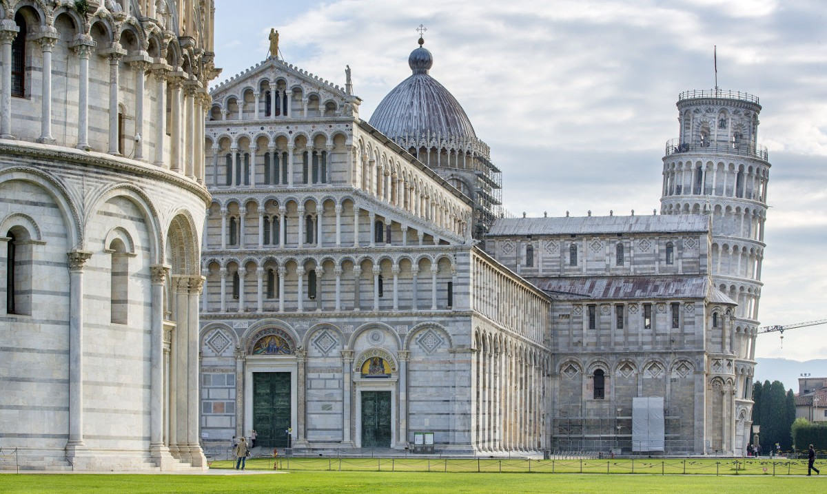 Don't worry guys! The Leaning Tower of #Pisa hasn't fallen over in our absence 😜 it's still there, waiting for a visit!  Have you been, or is it on your #bucketlist? 🇮🇹  https://t.co/oQSLGiiusb  #travel #italy https://t.co/WTRXEwLpoZ