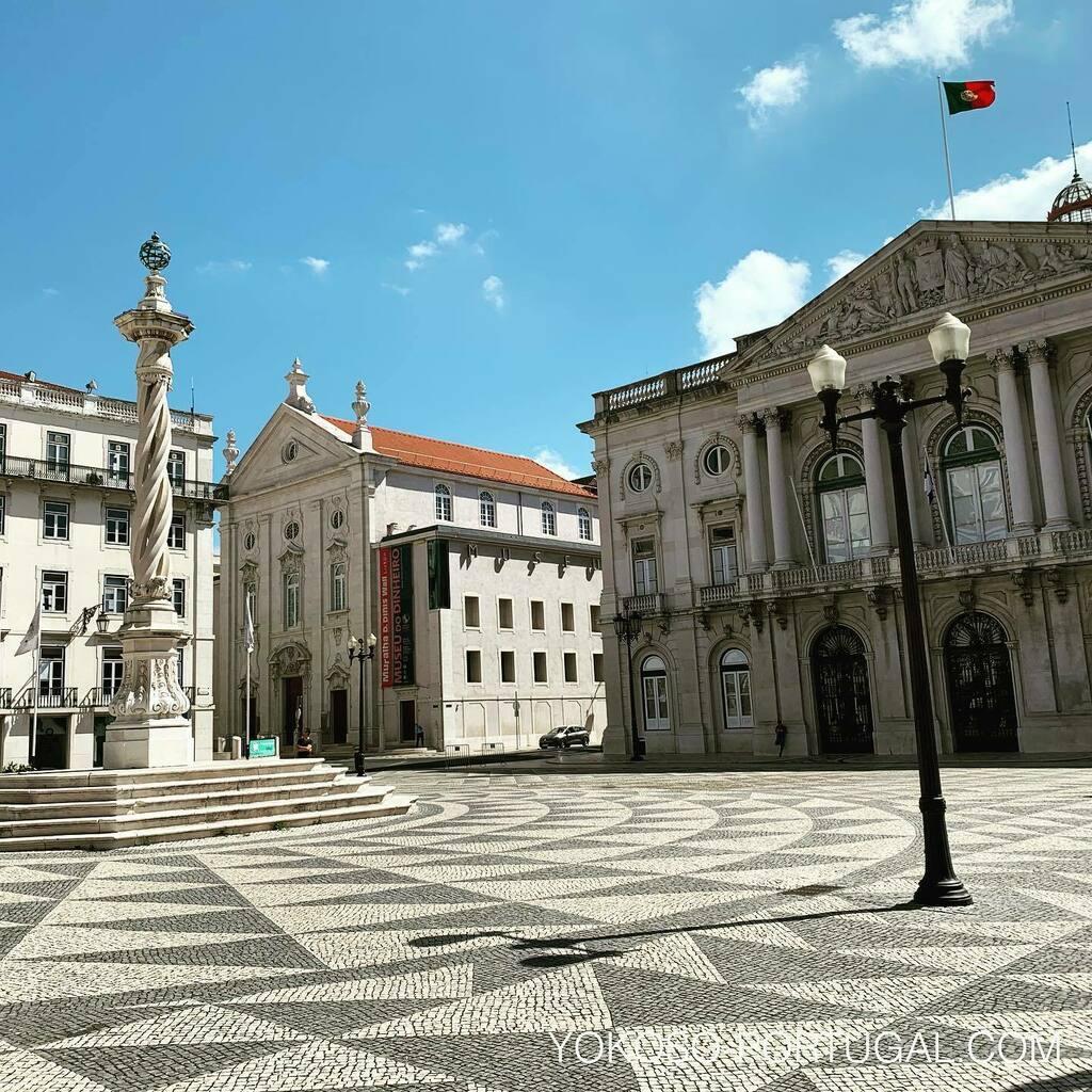 test ツイッターメディア - 石畳がキレイなリスボン市役所前の広場。 #リスボン #ポルトガル https://t.co/ppy6toylpm