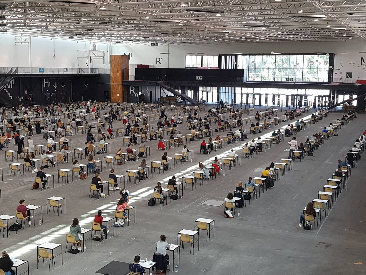 Ce matin, plus de 1 500 #étudiants en #médecine passait le PACES au #ParcExpo de #Caen. https://t.co/GmgcVP3KSL