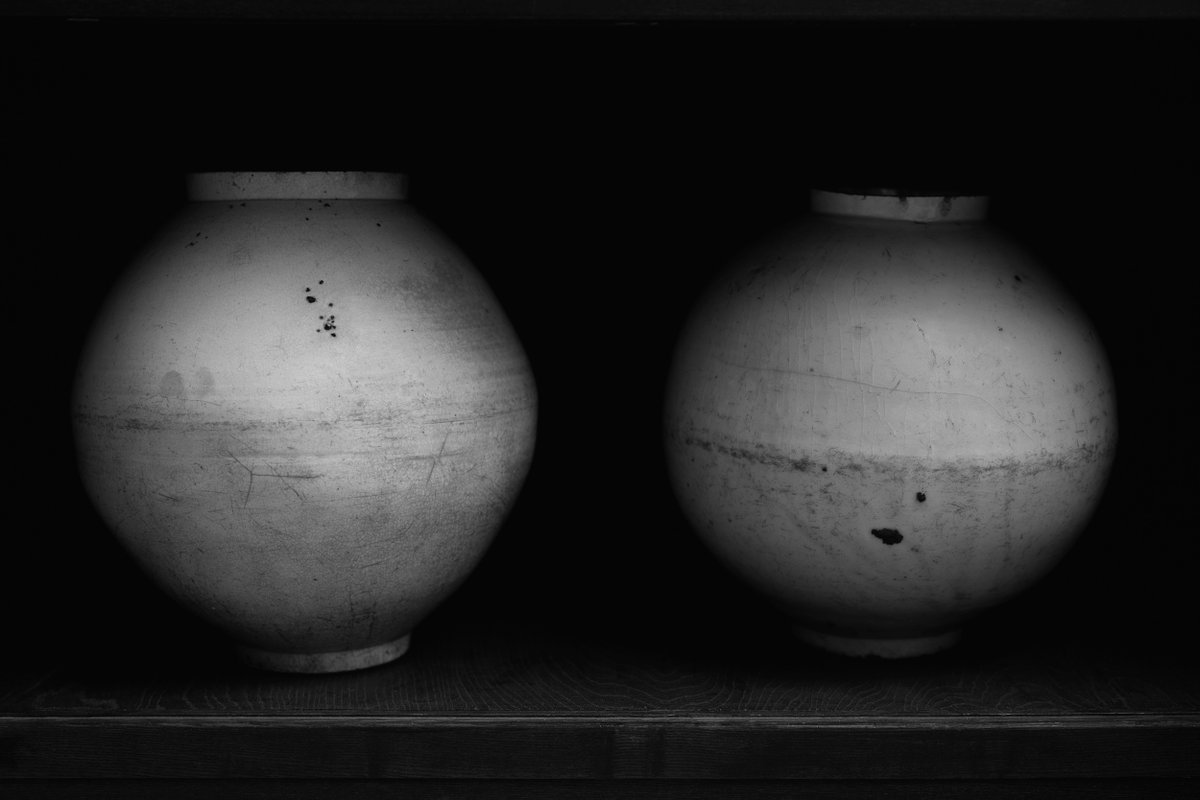 """Koo Bohnchang's photographs from his 'Vessels' series dramatically enlarge their delicate, ceramic subjects. """"I hope people can listen to what I have captured, and perhaps sense some very subtle vibration.""""   Capturing Silence, from Cereal Volume 19:   https://t.co/cLn0sMvVXO https://t.co/bSXJbqOoXJ"""