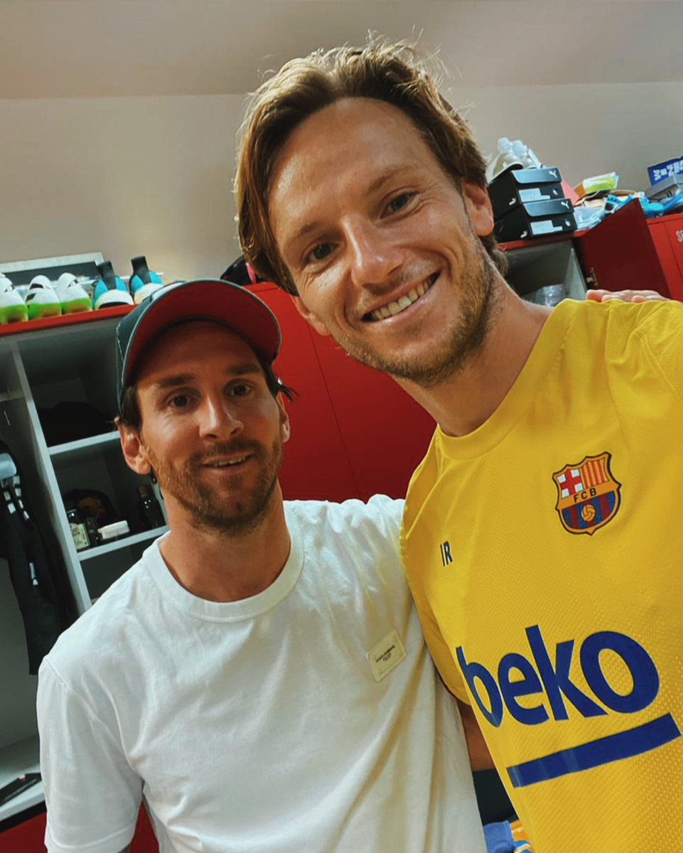 Happy birthday Leo! I wish you all the best! Enjoy your day! 🎂🥳🎉 @TeamMessi #IvanRakitic #Messi https://t.co/DyaRFXYzwb