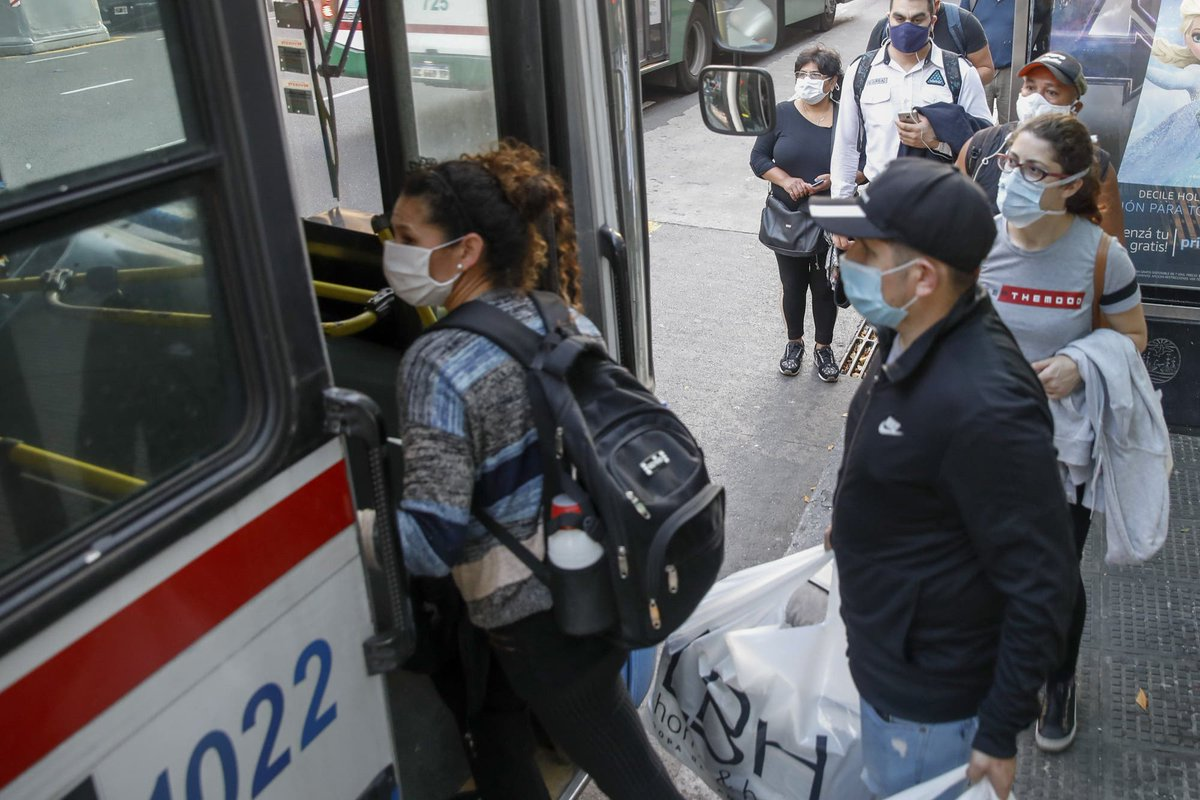 """LA NACION on Twitter: """"Coronavirus en la Argentina: suspenden una línea de  colectivos en el Conurbano porque hay 12 choferes con Covid-19  https://t.co/xoZZoJIHOh… https://t.co/I1bdHinl8A"""""""
