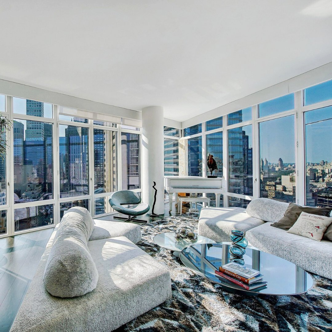 JamesEdition: This jewel in the sky on the 30th floor with a projected cantilevered living room offers great, open views of Midtown, Central Park, and East River through its soaring, 10-foot, floor to ceiling windows. #newyork #jamesedition #nyc  Price: …