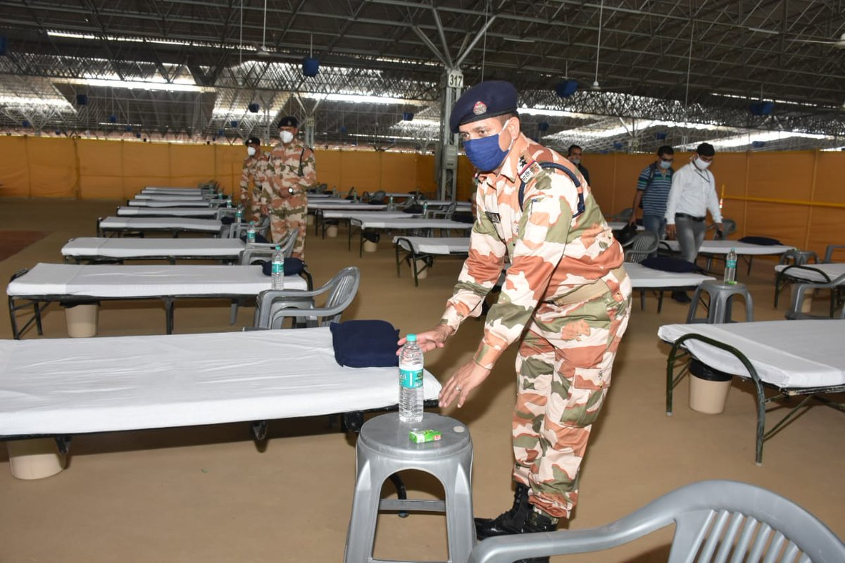 Preparations at Covid Care Centre at Radha Soami Satsang Beas Centre, Chhatarpur in Delhi are in full swing. Teams of ITBP officials are assisting authorities at the Centre. #Himveers #COVID__19 https://t.co/NP6zMugMs7