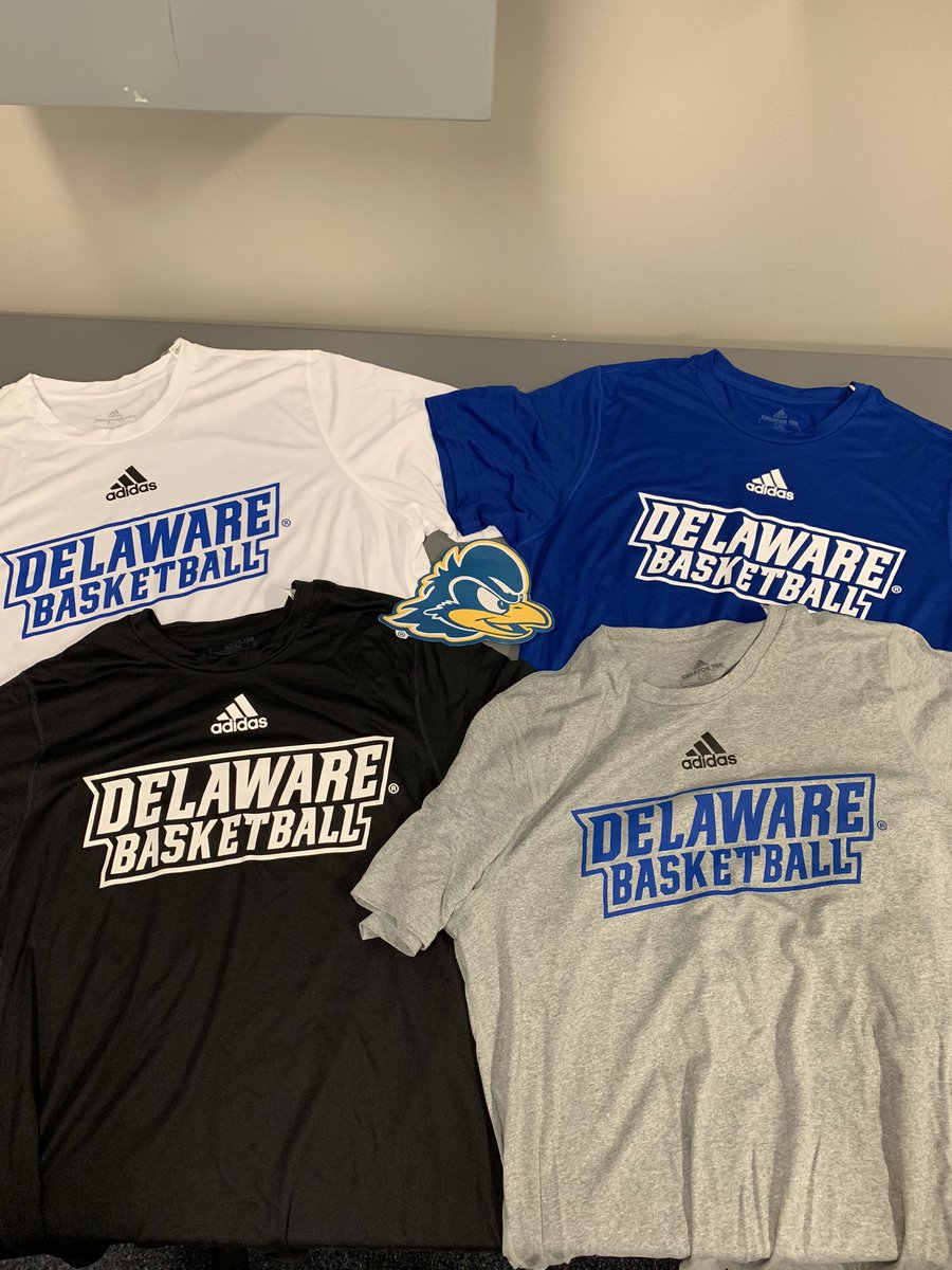 Color combos for @DelawareMBB & @DelawareWBB training t-shirts for the upcoming year! 🏀👕 https://t.co/izsN0GvBTA