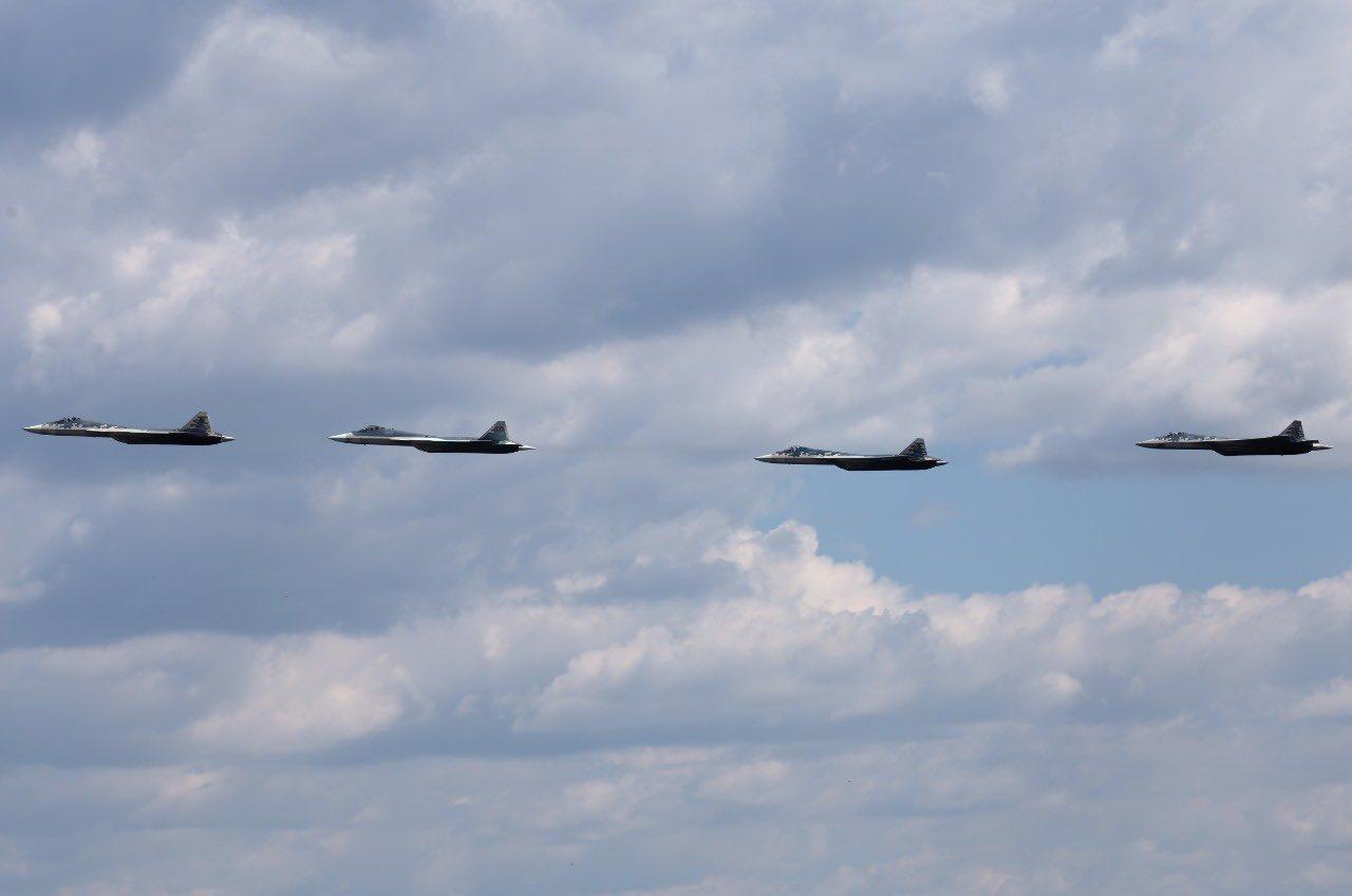 Su-57 Stealth Fighter: News #6 - Page 8 EbSlVUQXkAERF97?format=jpg&name=large