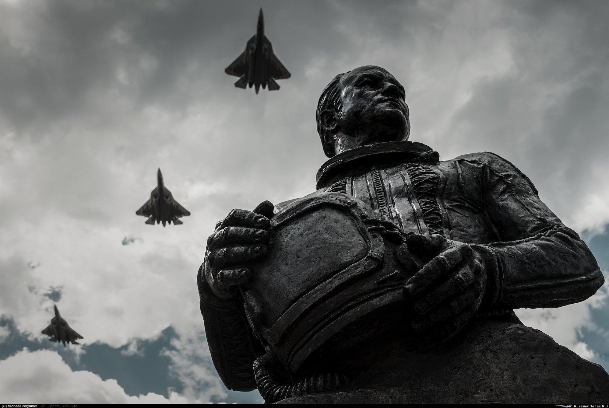 الدفاع الروسية تنشر صورا للعرض العسكري التجريبي الخاص باحتفالات عيد النصر EbTBINoXgAEgRO2?format=jpg&name=large