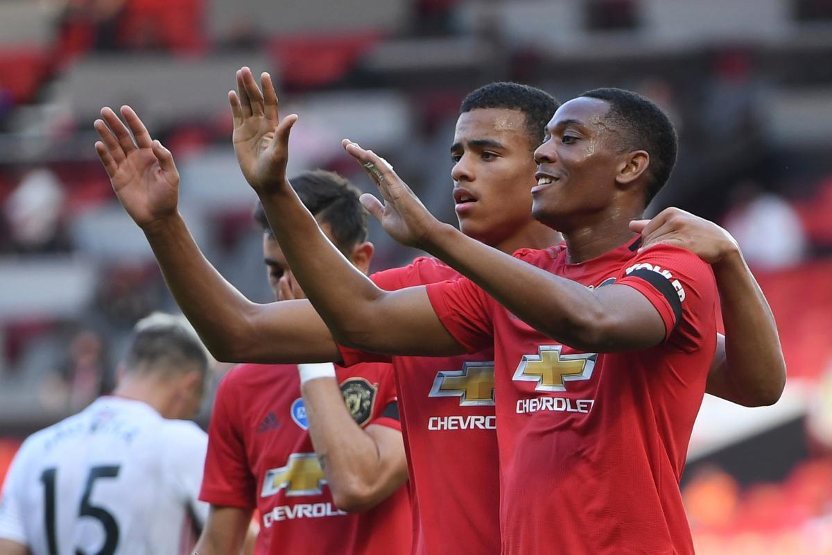 Chấm điểm trận Man Utd 3-0 Sheffield Utd: Martial lập hat-trick