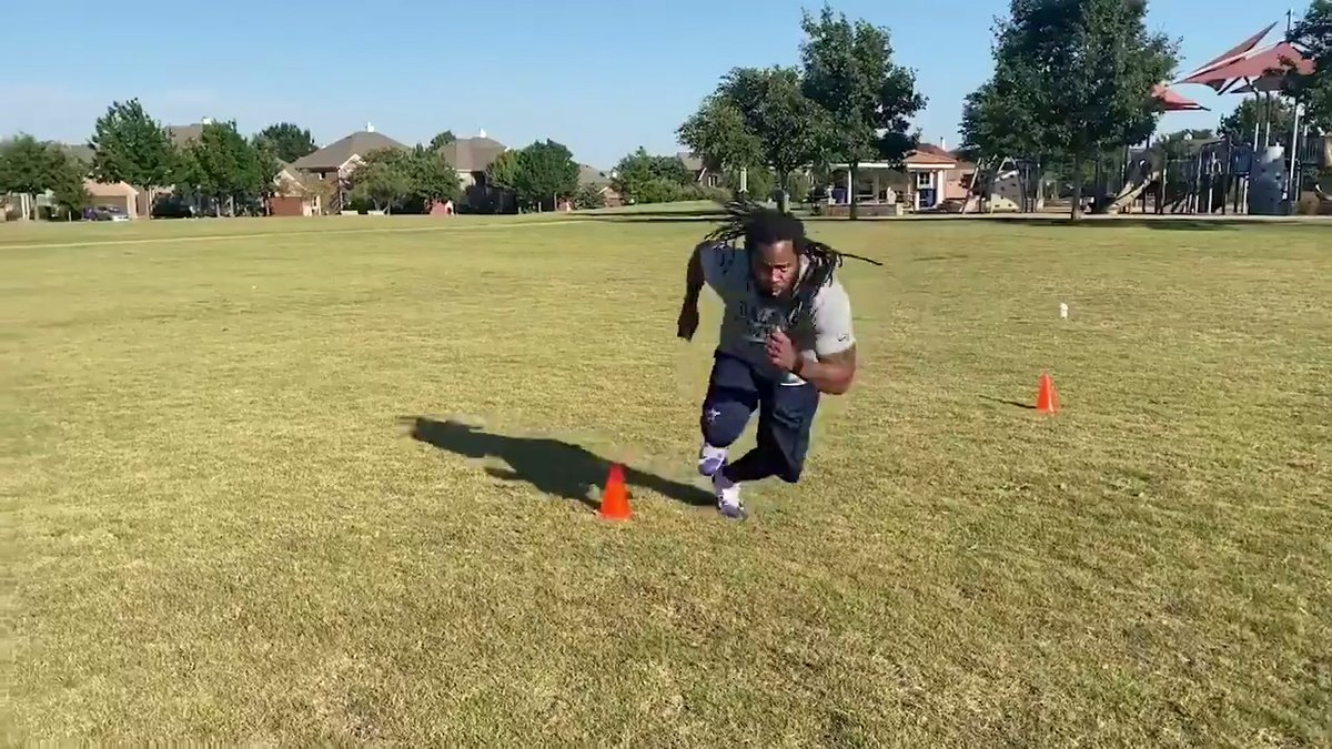 This week, Cowboys Youth Academies Manager @dannydmac44 shows us defensive back drills by demonstrating proper form & technique. Check out the full video #DallasCowboys Youth Academies Digital Series presented by @Academy → bit.ly/2BdZE5c