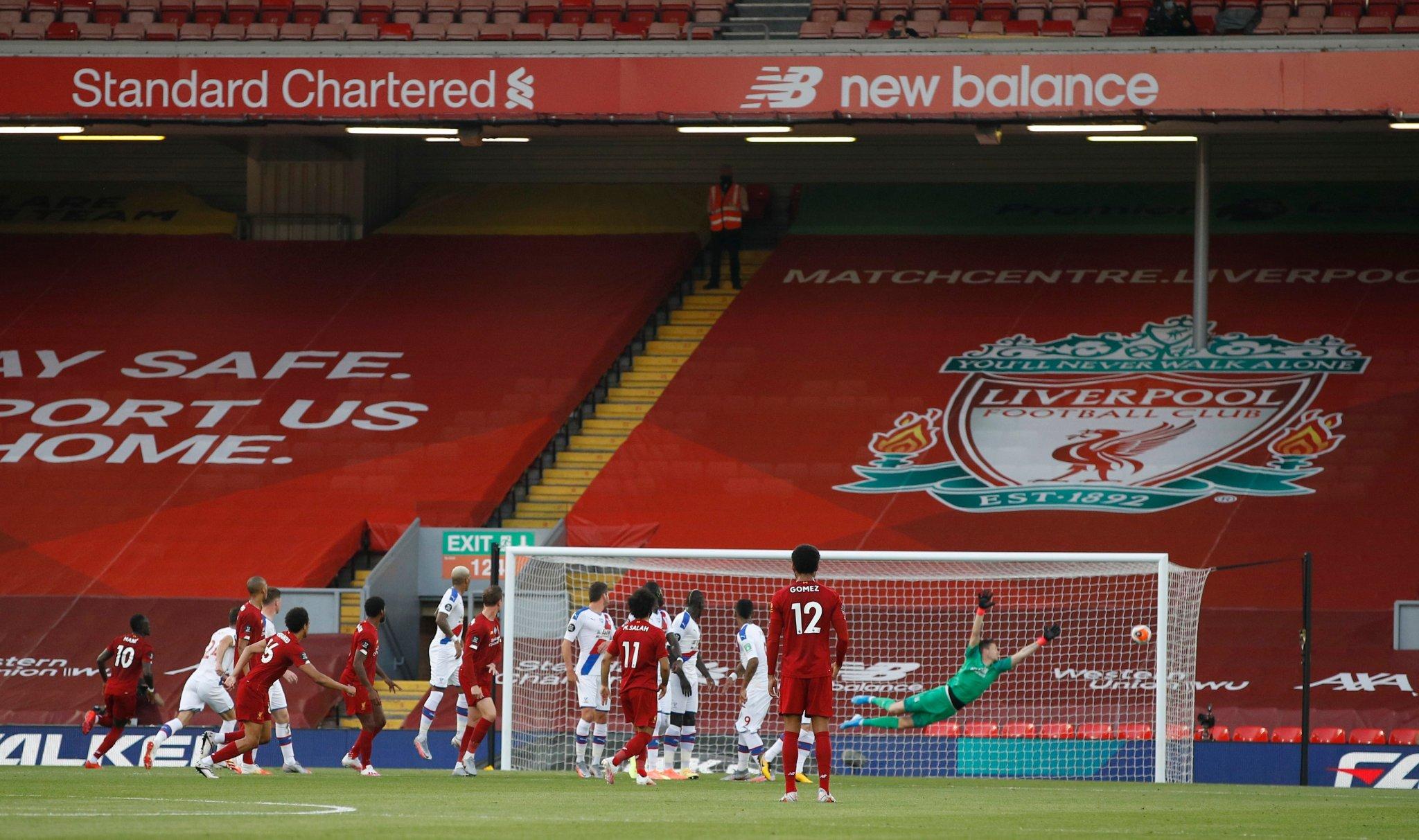 Liverpool acaricia el título de la Premier League tras golear a Crystal Palace