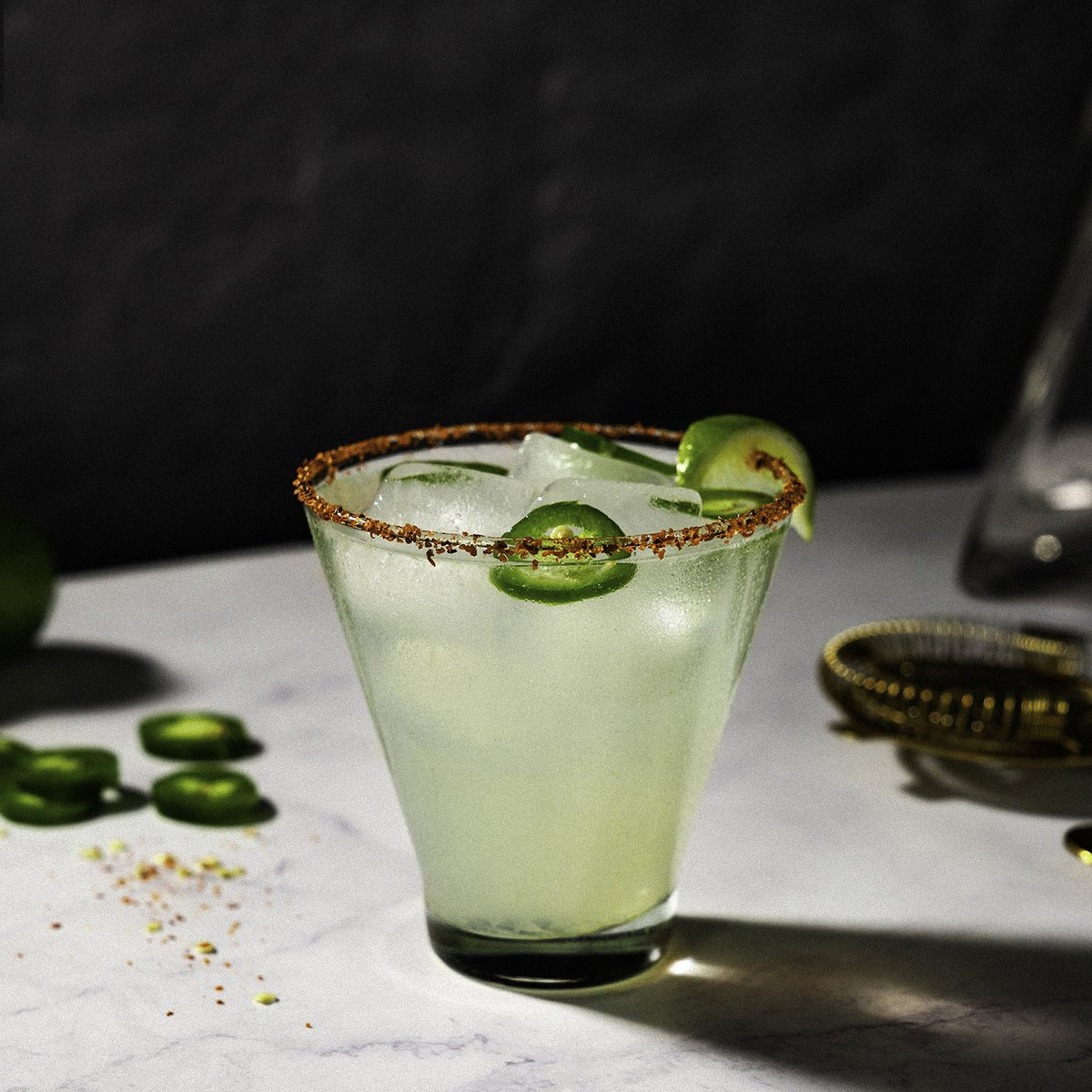 Wednesday's in your rearview mirror now and we're here to help you unwind.   SPICY MARGARITA RECIPE 🌶🍈  #Tequila #RockNRoll #Cheers https://t.co/Wa6yTGPliE