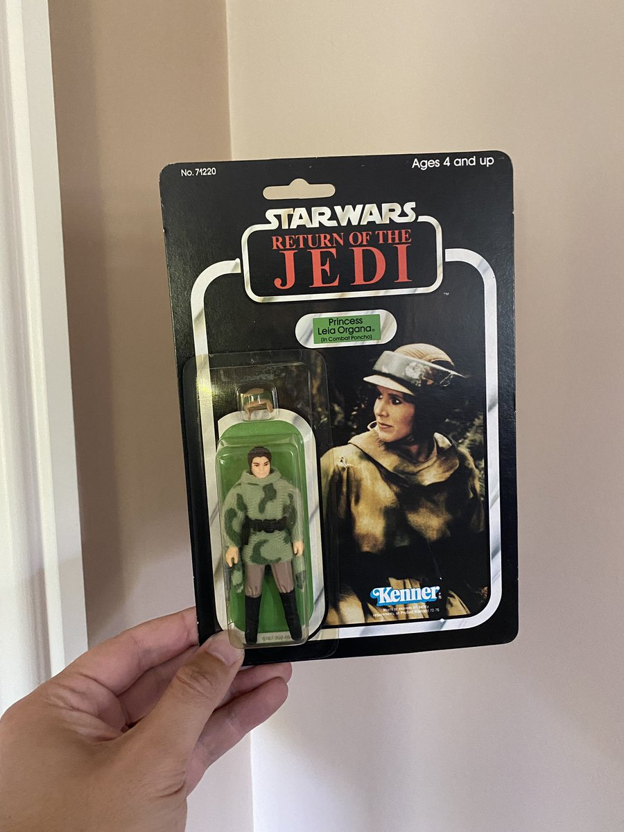 Very happy with my latest Vintage Star Wars purchase. Pretty clear bubble for one of these. #VintageStarWars #Kenner pic.twitter.com/eTqXBsK0xC