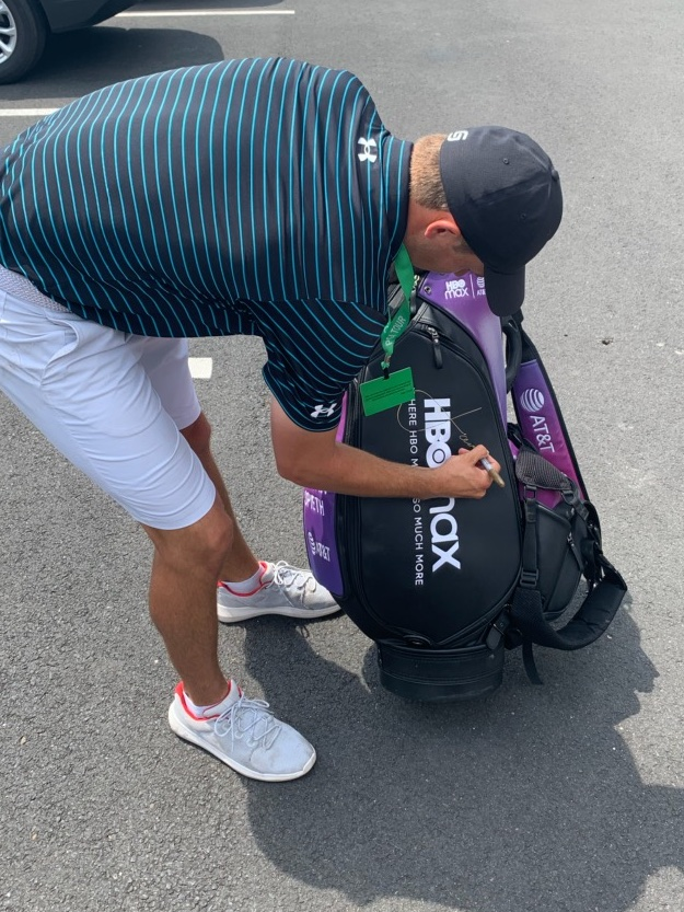 After using it on @PGATOUR the last two weeks, @ATT is donating my purple @HBOMax bag to support @youngstory an organization helping young people raise their voices through storytelling.. excited it's going on to support empowering young people!  #ATTAthlete https://t.co/Nrv4dg1RGm