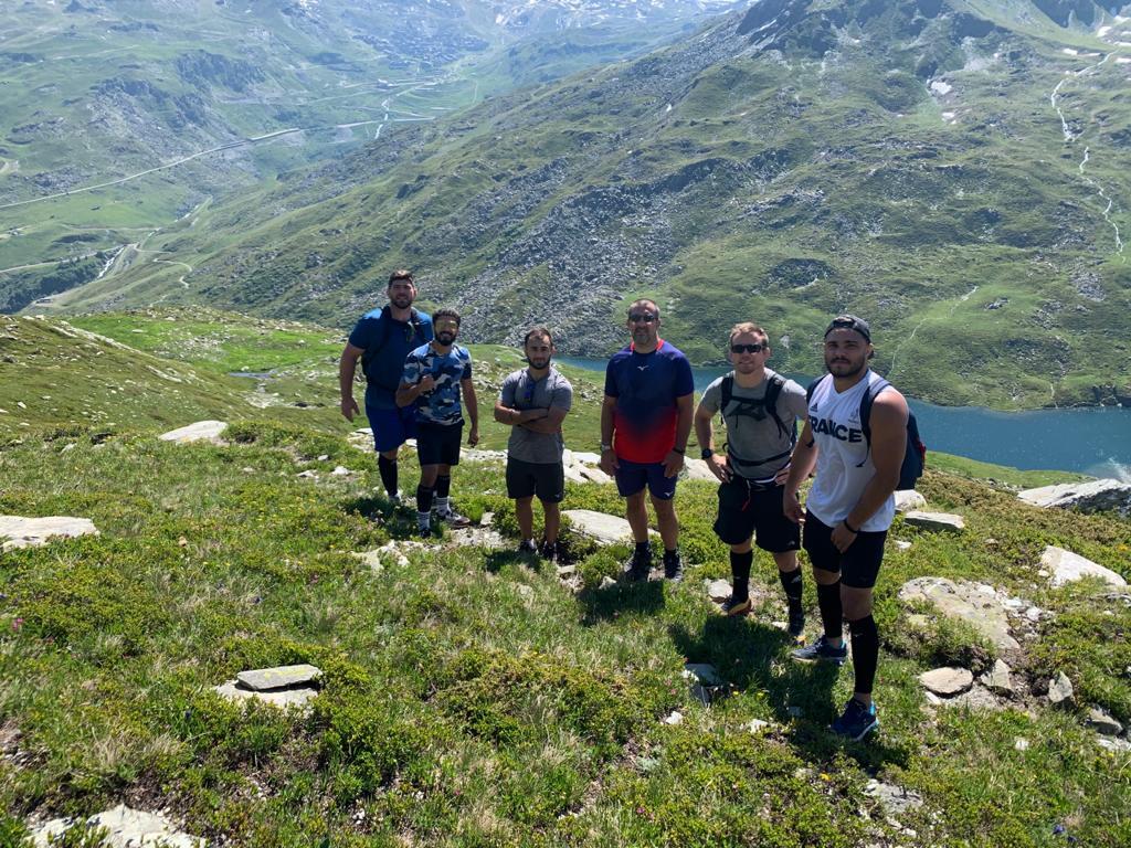 Dans le cadre de leur stage d'oxygénation chez notre partenaire @LesMenuires, les masculins de l'Equipe de France ont marché jusqu'au Lac du Lou 🤩 #montagne #friendlymenuires #vivonsjudo https://t.co/R9hAuzIa5f