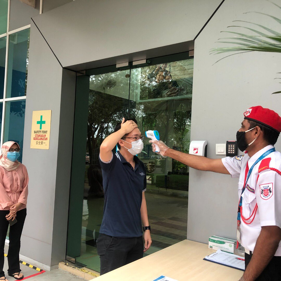 While we prepare to gradually welcome staff and students back on-campus, the safety of our Southampton Malaysia family is our utmost priority. Our social distancing measures are on fleek, temperatures are taken at campus entrances and hand sanitisers are readily available. https://t.co/C7RYQjFQAZ