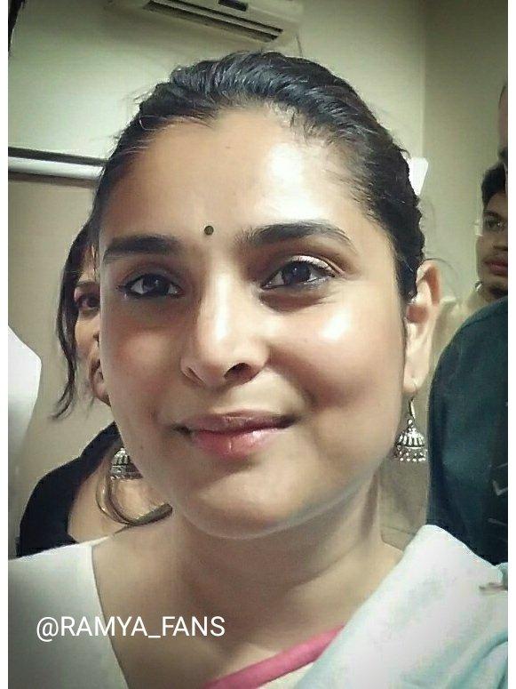 ಸ್ಯಾಂಡಲ್ ವುಡ್ ಕ್ವೀನ್ ರಮ್ಯಾ @divyaspandana #Sandalwoodqueen #sandalwoodpadmavati#sandalwoodqueenramya#kannadthi #nimmaramya#actressramya#angel #diva #divyaspandana#padmavati #luckystar_ramya #mohakataareramya #goldengirl_ramya#ramya#ramyaplsdofilms #ramya_fanspic.twitter.com/uk7Ahvnn3w