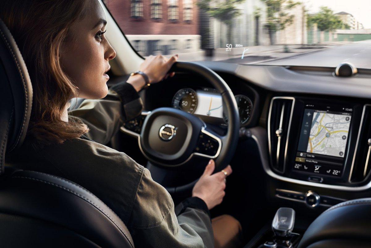 Poznaj pierwsze na świecie auto z systemem filtracji z ładowaniem cząsteczek.   Od teraz #Volvo zadba o Twoje bezpieczeństwo już na poziomie cząsteczek. Zamów auto serii 60 lub 90 z filtrem cząsteczek stałych PM2.5.  Weź głęboki oddech i poznaj szczegóły: https://t.co/hjHV4PsWxr https://t.co/iHXbXVOr4f
