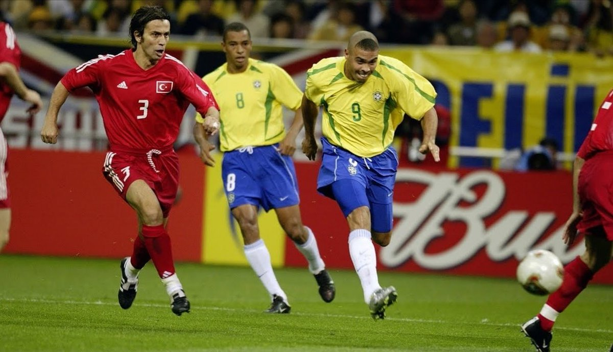 The shot from @Ronaldo 🇧🇷 to score the winner for #Brazil 🇧🇷 against #Turkey 🇹🇷 #OnThisDay in the semifinals of the #WorldCup 🏆 #KoreaJapan2002 https://t.co/fgR294RAIJ