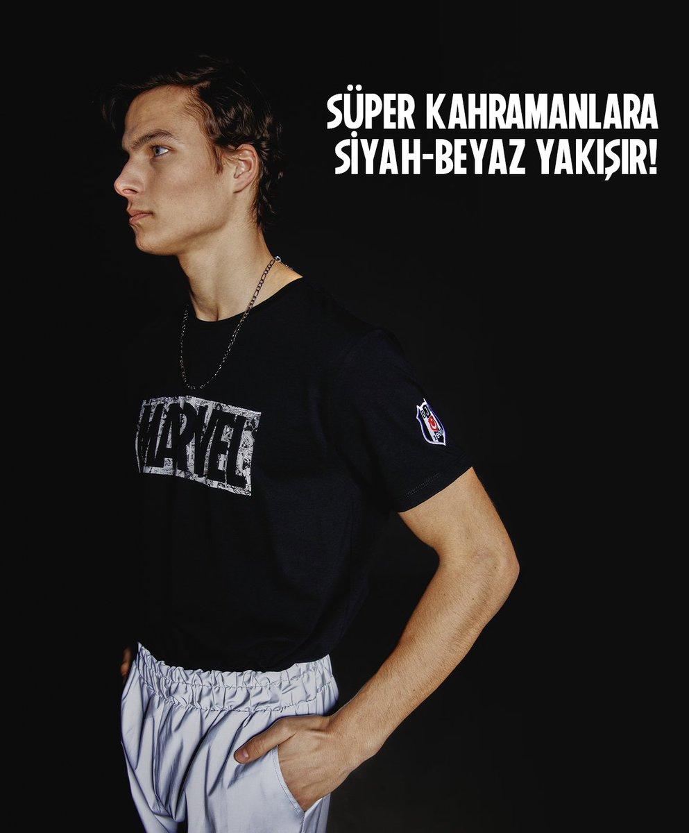 Süper kahramanlara siyah-beyaz yakışır ⚫⚪  Alışveriş için: https://t.co/dOPvw4Q5td https://t.co/CvVvvKk8Km