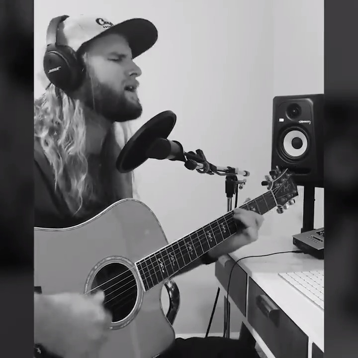 """Acoustic time! 🎙️ The talented @jordanmgrace recorded an acoustic version of his latest single """"Burning""""! cc: @nickyromero #ProtocolFamily https://t.co/GooCOX8LMm"""