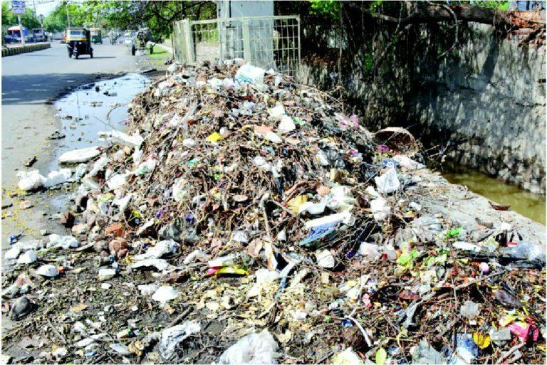 લાખોટા તળાવમાં નવા નીરની આવક: કેનાલમાં ફસાયેલો કચરો વિલન બન્યો #Millions #lake #new #nir #income #canal #waste #villain #ton #premonsoon #Nawanagartime Click 👉https://t.co/6xa8rG9X10 for more. https://t.co/BWRGasZG74