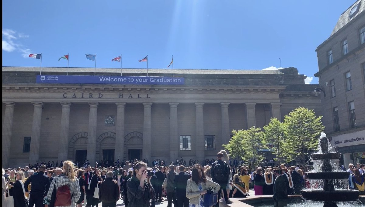 🎉🎉Today would have been the graduation ceremony for our @UoDPsychology #Classof2020. While we can't be together at Caird Hall today, we are incredibly proud of all you have achieved - we hope you are proud too, and that you are celebrating in style!🎉🎉 https://t.co/euJk8ZOhnF