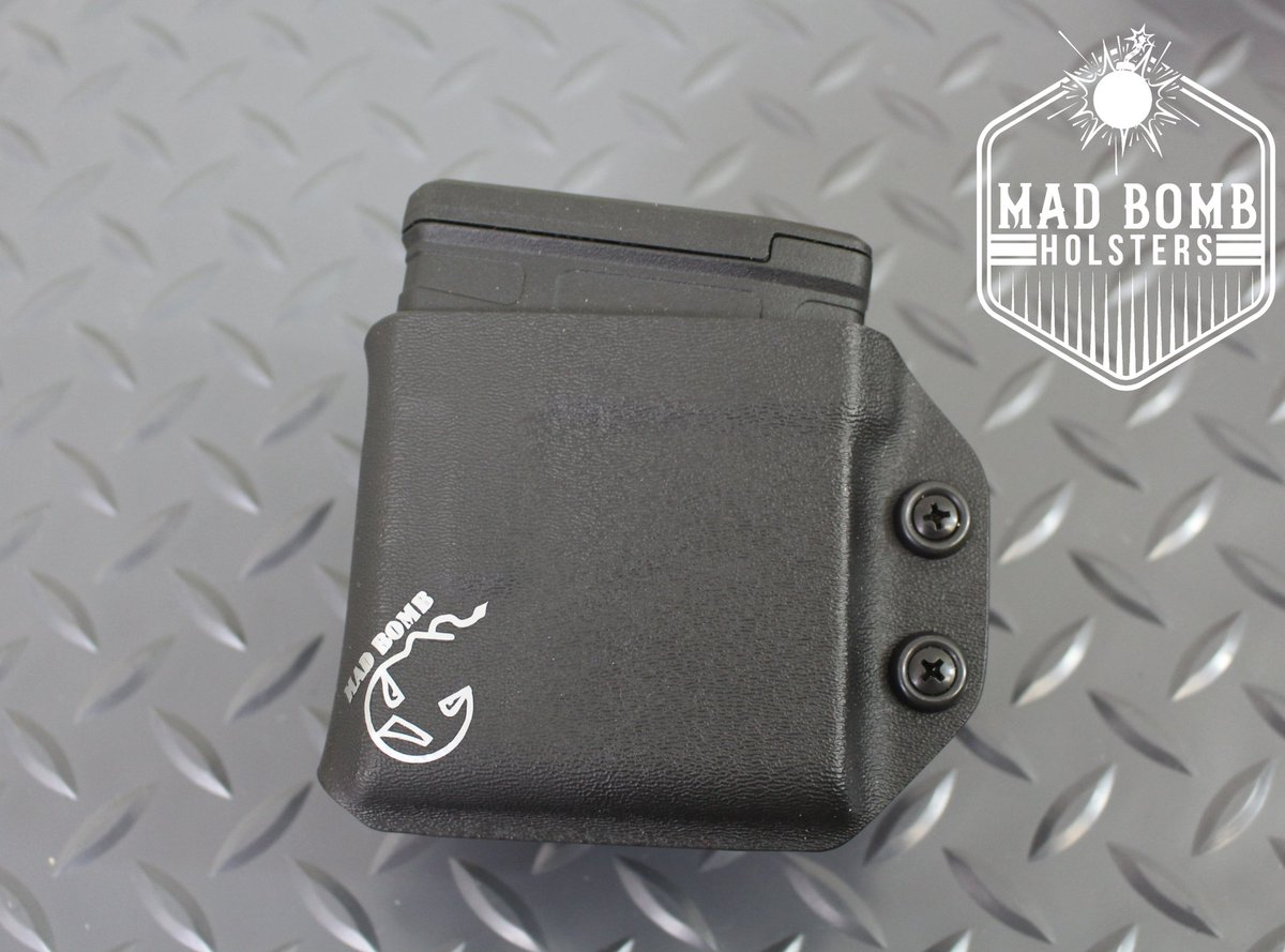 Mag holder for AR10/SR25 magazine's - Classic Black - Adjustable Retention - Locking Belt Attachment #magazineholder #magholster #dutygear #dutyholster #police #swat #customkydex #customkydexholsters #kydexholster #kydex #holstermaker #kydexlife #madbombholsterspic.twitter.com/up5utuqmAy