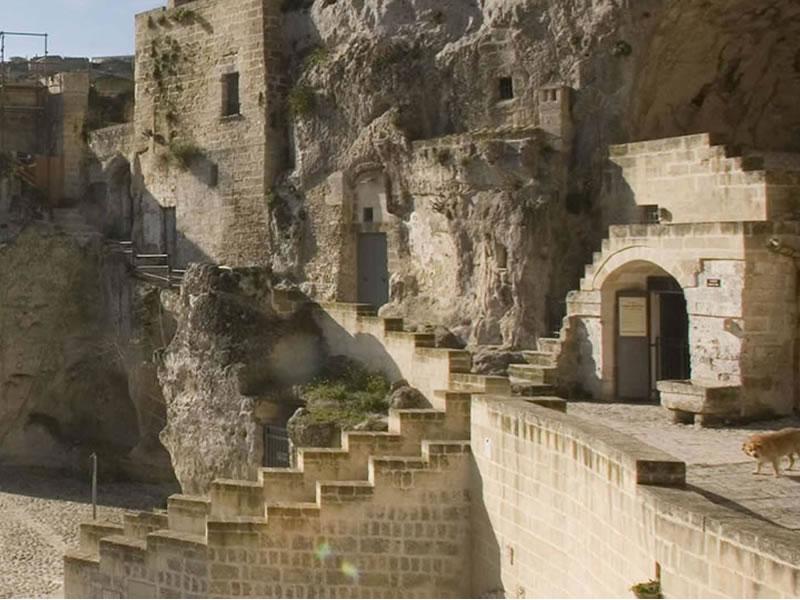 Matera, riapre la Storica Casa Grotta di Vico Soli...