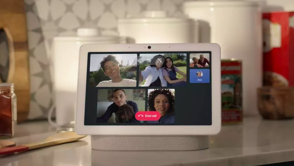 Google Nest Hub Max takes on Facebook's Portal with group video
