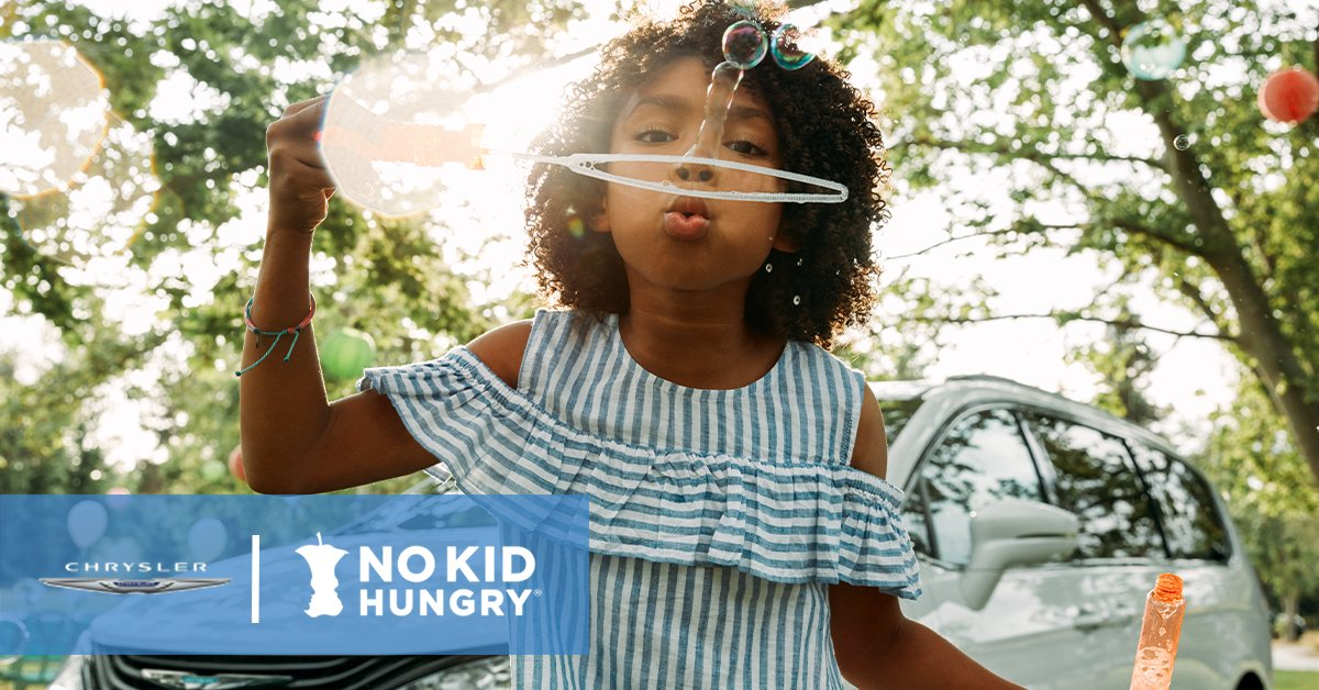 We are SO grateful to @FiatChrysler_NA and @Chrysler for generously providing additional funding to help us get kids the critical meals they need now and through the summer! We're so glad to have you on team #NoKidHungry. #InItTogether https://t.co/EmVNHpGGcg