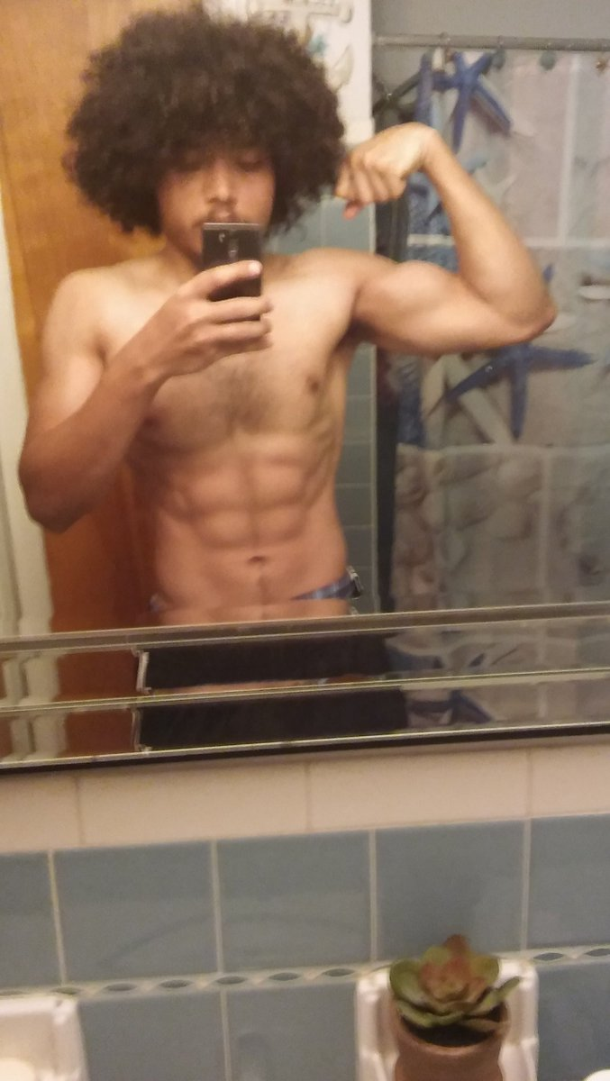 The greatest therapy for me is working out. #GettinBackRight #ProgressPics #Work #Motivatedpic.twitter.com/qKQyMebn4v