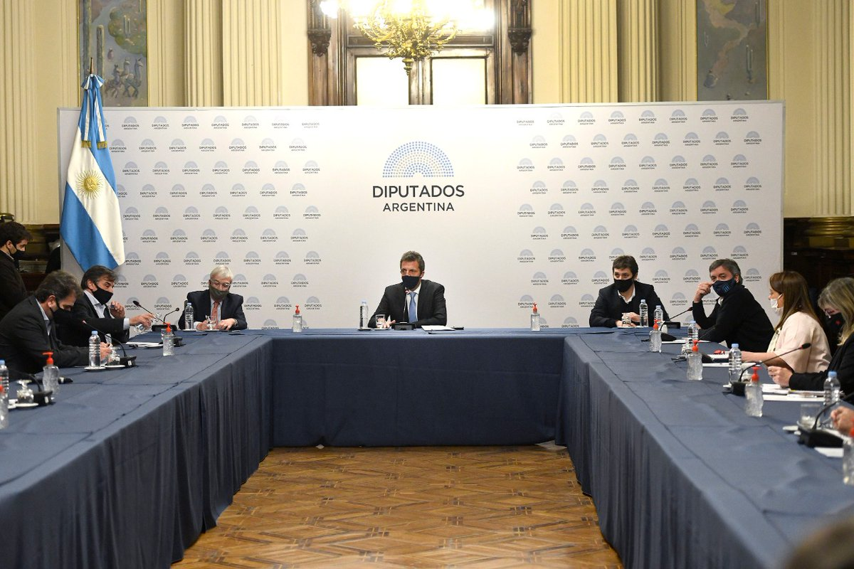Finalizó la reunión de Labor Parlamentaria en @DiputadosAR. Los puntos que trataremos en la sesión especial de hoy serán:  1. Teletrabajo.  2. Economía del conocimiento.  3. Plasma.  #ArgentinaUnida❤️🇦🇷 https://t.co/JA1NpB3nfy