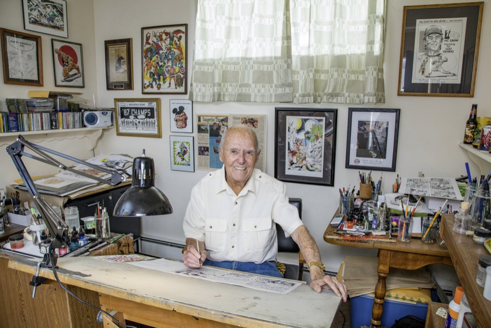We lost a master today.    I met Joe in the 70's & he drew me a drawing of the Thing.   So cool.   Joe was sweet, generous to everyone , and understood that everything has a specific texture and look, and made everyones art look better.   R.I.P Joe Sinnott- you are missed https://t.co/290HRpjWWH