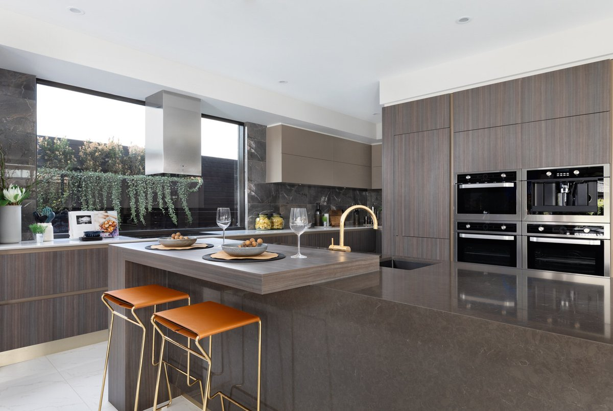 Embrace the grand luxury of the Designer by Metricon Hampshire show home in Essendon, VIC. The sophisticated elegance of the Hampshire is brought to life with rich colours and textures that emanate a timeless European style. Explore the Hampshire today: https://t.co/EtW4ZIlLcM https://t.co/wxpc2dE4YK