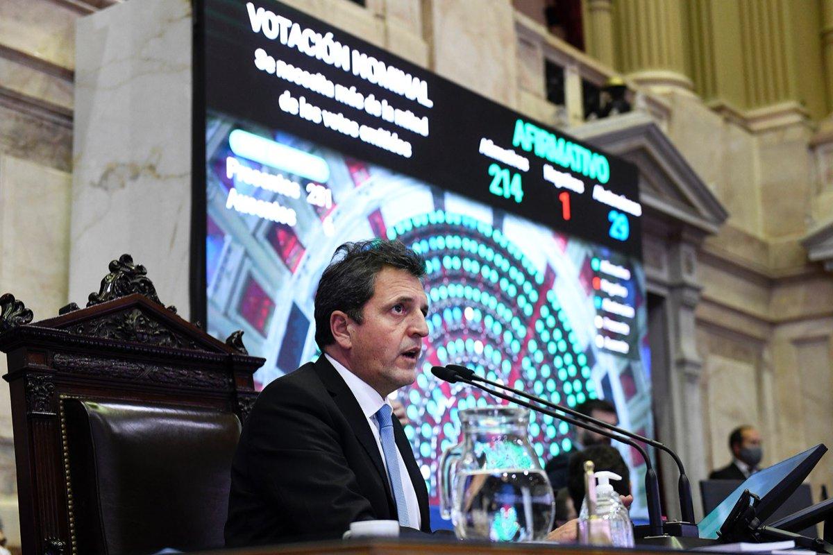 Hemos dado media sanción al proyecto de ley de teletrabajo. Una iniciativa surgida del consenso y el diálogo para estimular la producción y la productividad de las empresas argentinas. Pero además, para garantizar la defensa del trabajo de todos y de todas.   #ArgentinaUnida❤️🇦🇷 https://t.co/KAO2gfPkhn