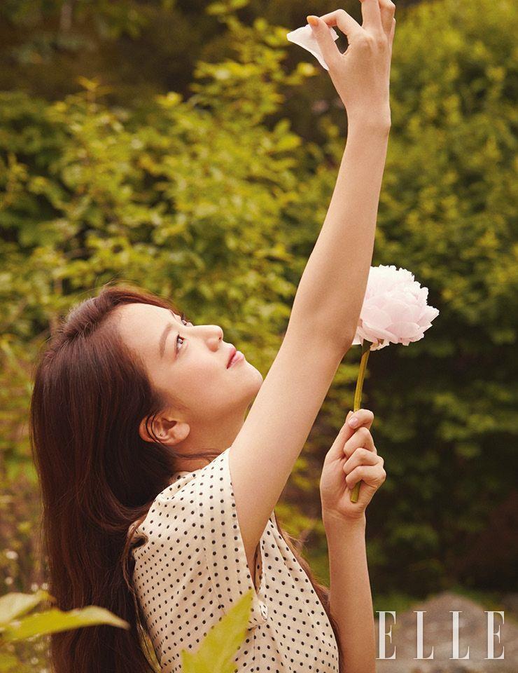 BLACKPINK's JISOO for Elle Korea (July 2020 Issue) - Celebrity Photos & Videos - OneHallyu