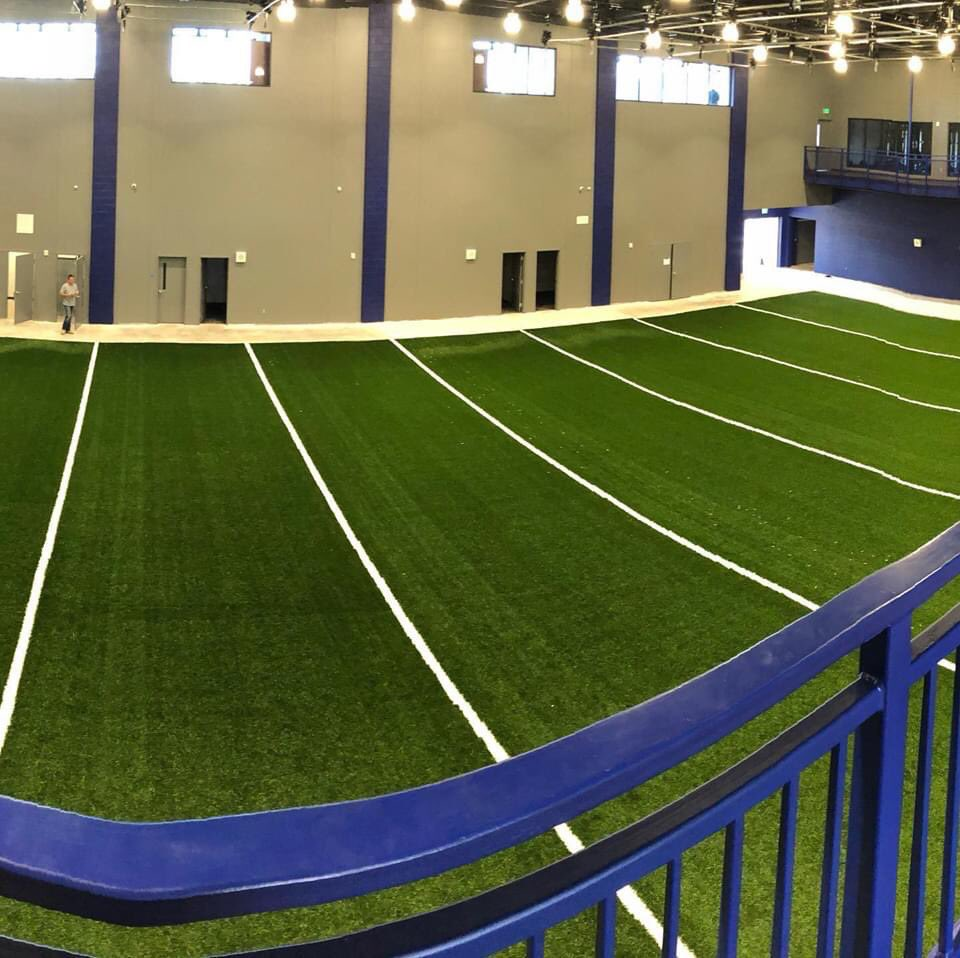 Indoor Practice Facility and Fieldhouse turf is being installed.  Looking good!!  <br>http://pic.twitter.com/VskRW9qdpK