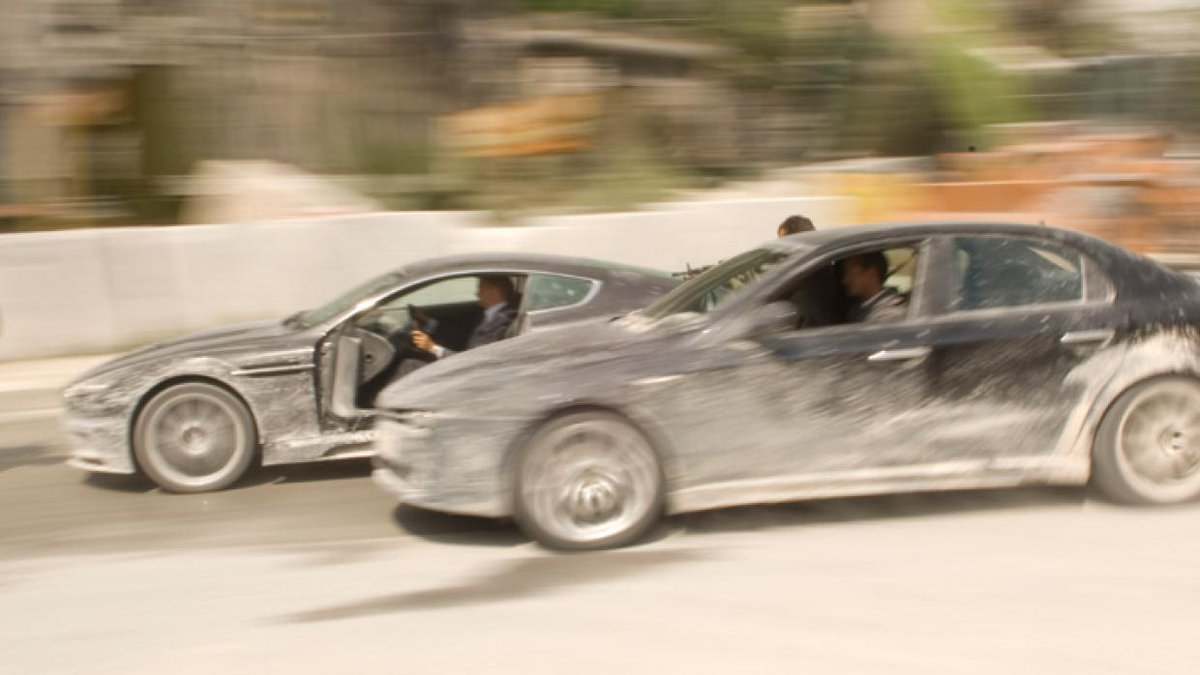 #JamesBond #Bond25 #NoTimeToDie #BondJamesBond #behindthescenes #filmproduction #movie #filmcrew #setlife #crewmatter #Bondfilm #Bondhistory #cars   Production stills, #QuantumofSolace (2008): Second Unit and #stuntdriving team filming the Pre-Title car chase sequence in Italypic.twitter.com/05PW1FZo0h