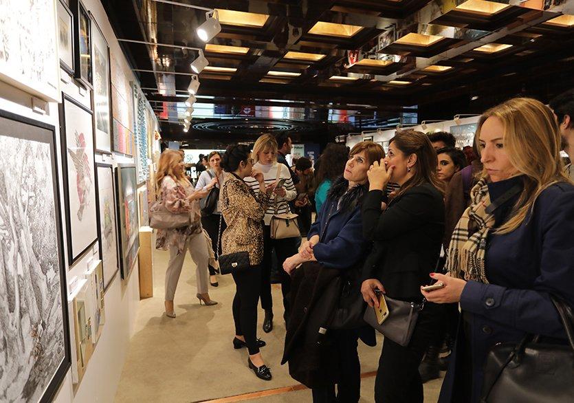 Kkâr amacı gütmeyen Bazaart Projesi'ni jüri üyeleri; sanat yazarı ve sanat tarihçisi Nazlı Pektaş, küratör, akademisyen, sanat yazarı ve sanat tarihçisi Marcus Graf ve koleksiyoner Öner Kocabeyoğlu'ndan dinledik. https://t.co/ri58yAWGAU https://t.co/EYfEg9aGqc