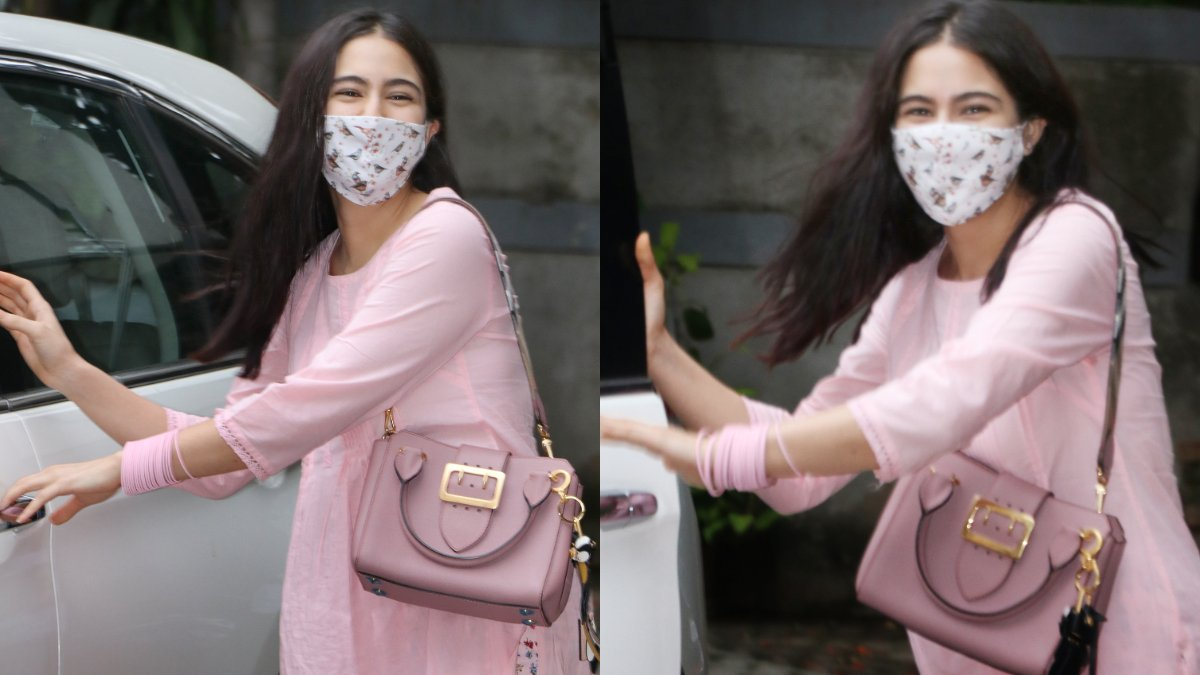 #SaraAliKhan just flaunted a @Burberry bag and you have to guess its price!  Find out the price here https://t.co/R9H2HKDN4u https://t.co/e63BVtVChF