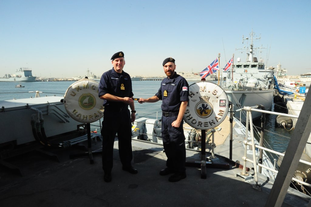Our CO, along with the COs of the other ships based at UKNSF received his new Command Pin. A recognition of many years hard work and service to the @RoyalNavy Congratulations Sir! #Crew4 #Trainhardfighteasy https://t.co/47cpjhslnH