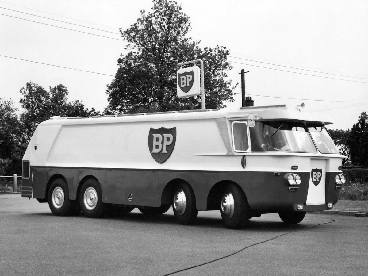 1958 BP @bp_plc Auto Tanker #FillUpFriday  @gmracingblue @Auto_Attic @sbmktg @EightMike @jim_knipe @bourdyot_ @botrytis21 @juanjoabsolut @HardDrivers @Rinoire @PorscheRoadRace https://t.co/BD0oPgoqyK