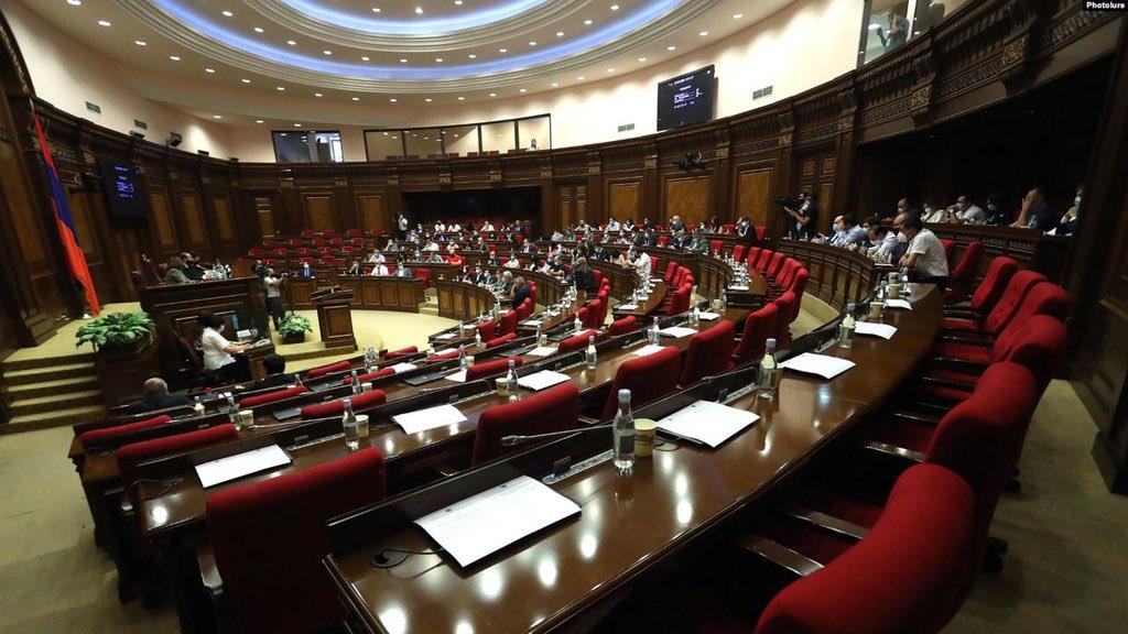 Կորոնավիրուսի դեմ կառավարության պայքարը քննող ԱԺ հանձնաժողով է ստեղծվել  https://t.co/6xwsu90sad https://t.co/F5x58OPYaJ