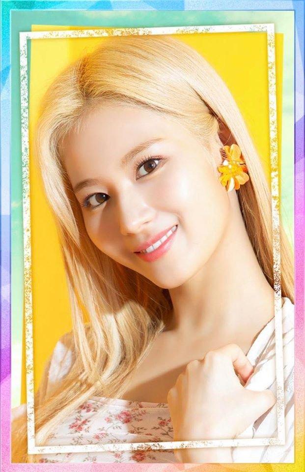 Blonde Sanake 😍 #TWICE_GOGOFightin #Beach_mini  #Sana #사나 #트와이스 #TWICE https://t.co/ylCHvwFar0