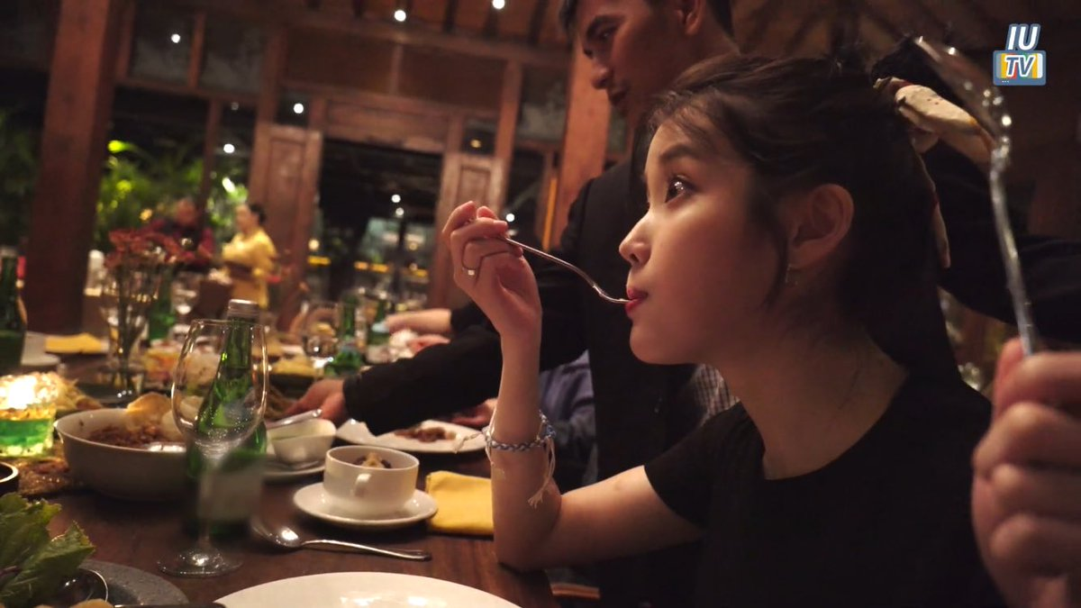 Foodie IU will always have the chubbiest cheeks.  <br>http://pic.twitter.com/7lGfWVsiz7
