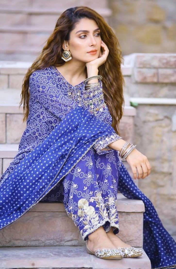 Haseena  cutie pie #Pakistanistyle #fashionblogger   #karachi #fashion #beauty #celebstyle #celebrityfashion @thetv360  @Coca-Cola  @showbiz  #pakistanimodel  #pakistanisinger #PakCelebs #lovemakeup #DesignerWear https://thetv360.blogspot.com/pic.twitter.com/3sZyww5u3p