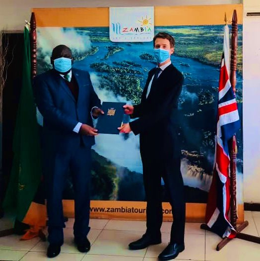 If you support wildlife🐘 conservation (& you should🙂), then you'll welcome today's signing of 🇿🇲🇬🇧 Agreement that enables us together to curb poaching & illegal wildlife trade in some of #Zambia's stunning national parks, alongside partners such as @CLZAfrica & @GameRangersInt. https://t.co/hYaUxwV8Di