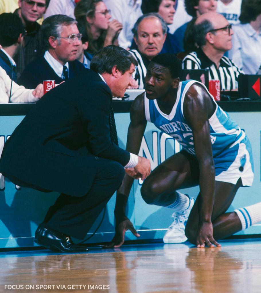 """Dean Smith, who died in 2015, left $200 to each of his former UNC players in his will, so they could """"enjoy a dinner out"""" on him.   The trustee told ESPN that checks were sent out to about 180 ex-players five years ago. https://t.co/QhDMeCpmmy"""