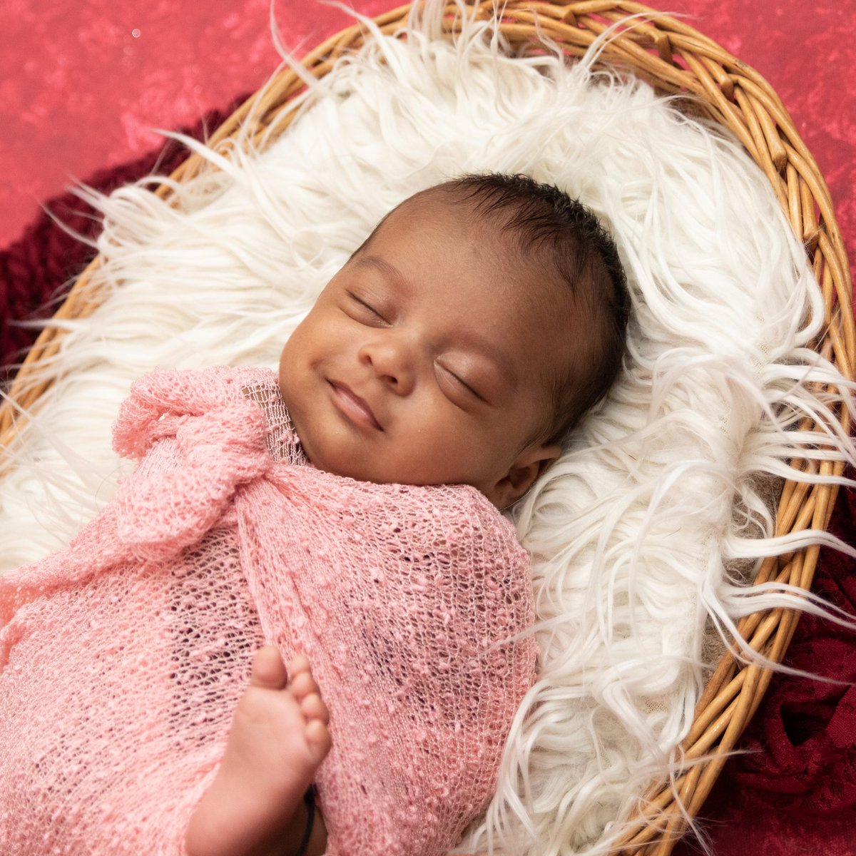Lifeinclicksphotography Former Rhuchakulkarni On Twitter A Baby S Smile Is The Purest Form Of Happiness In The World Good Morning Newbornphotographer Newbornbaby Newbornphotographers Newborn Newbornposing Newbornphotoprops